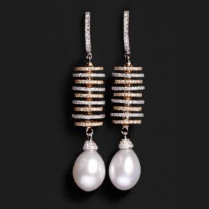 Pendientes de oro blanco con pedras cultivadas y diamantes marrones y blancos